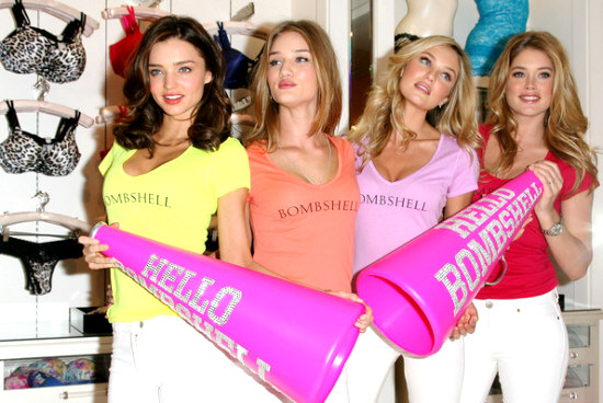 SUPERMODELS-ONLINE.COM : VS angels Miranda Kerr, Rosie ... Miranda Kerr Victoria's Secret